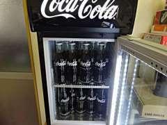 ご来店のお客様には瓶コーラがフリードリンクとなっています!冷やかし歓迎!お気軽に遊びにいらして下さい