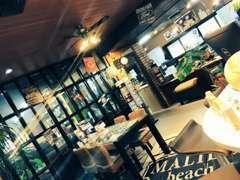 お洒落なカフェスタイルのお店です!『近くに来たからちょっと寄ってみた…』そんなお客様も大歓迎☆お気軽にお越しください♪