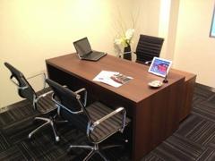 プライバシーを保てる商談スペースをご用意しております。