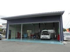 2017年5月に認証工場が完成致しました!車検整備、一般整備、オイル交換、用品取り付けなど全ての整備に対応しております。