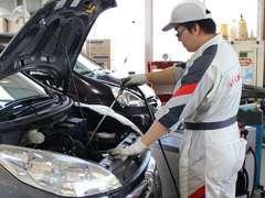 整備や修理、車検もお任せください!ホンダに精通したプロの整備士が、隅々まで点検します。安心安全のカーライフを★