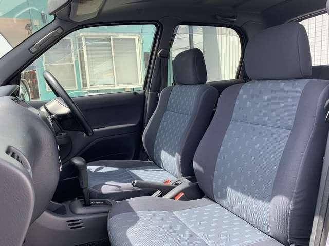 写真だけではなく、現車で内外装ともしっかりとご覧頂けましたらと思います。 特に内装は写真では伝わりにくい感覚や印象、手触り、シートの座り心地、細部の汚れ、室内の臭いなど、全てご本人様で体感して下さい