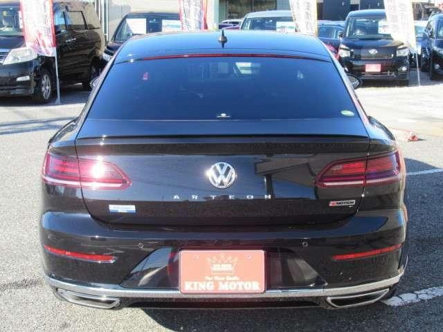 VW独自の高級ハッチバック!デザインと実用性を兼ね備えたおなじみのアルテオン♪とびっきりプライスで登場!お早目のお問い合わせ、スタッフ一同心よりお待ちしております☆