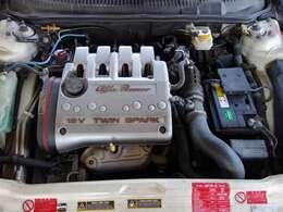 エンジン2LDOHCツインスパークです。新品バッテリー付いています。タイミングベルト交換歴は不明です。