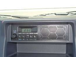 スピーカー内臓AM/FMラジオです。