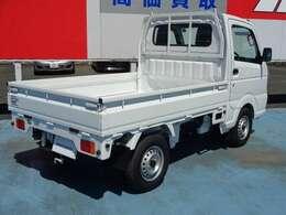 別途オプションで荷台マットやゲートプロテクター取付できます。