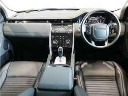 エボニーグレインレザーシート、12ウェイ電動シート、シートヒーター、シートメモリーインテリアリアビューミラー