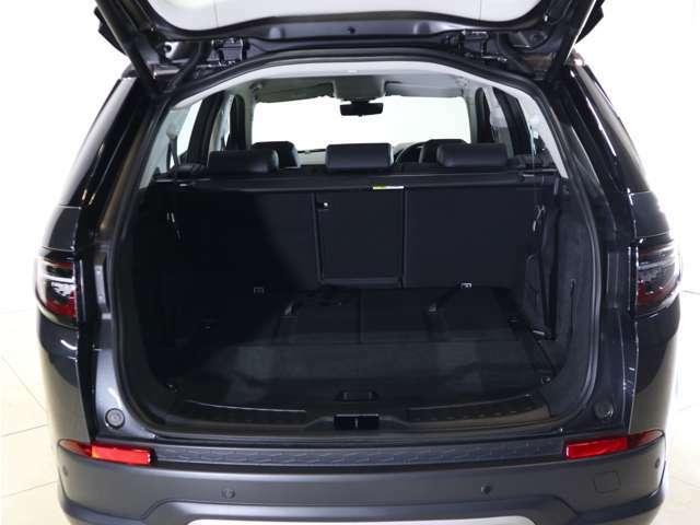 インコントロールシステムにより、スマートフォンから車内の温度調整や盗難の際現在地の確認などがご利用いただけます。