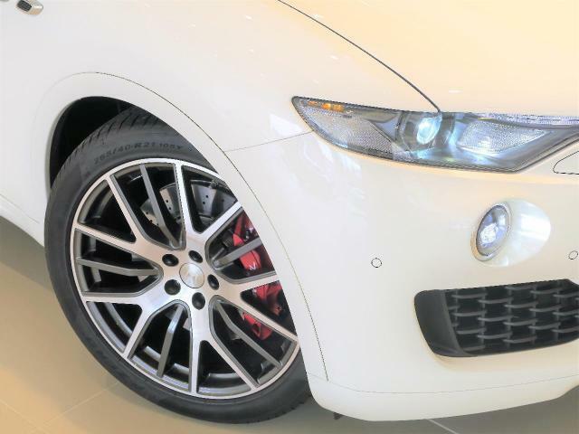 Levante S 430馬力(カタログ値)純正OP総額:2,460,000円 カーボンステアリング&インテリア・アルカンタラルーフ・ドリルドプレミアムレザー・シートベンチレーション