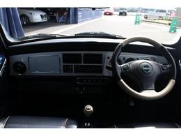 800台限定車ならではのダッシュボードと、シートにレザーを使用したインテリアになっております♪