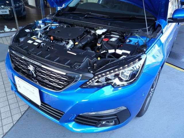 高い環境性能、燃費性能を誇るプジョー最新のクリーンディーゼルエンジン、1.5LblueHDiを採用。さらに軽量コンパクトな1.2PureTechガソリンターボエンジンも採用しています。