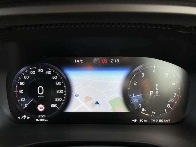 直感的に情報を読み取ることができる12.3インチ・デジタル液晶ドライバー・ディスプレイによりほとんどの機能を操作できます。