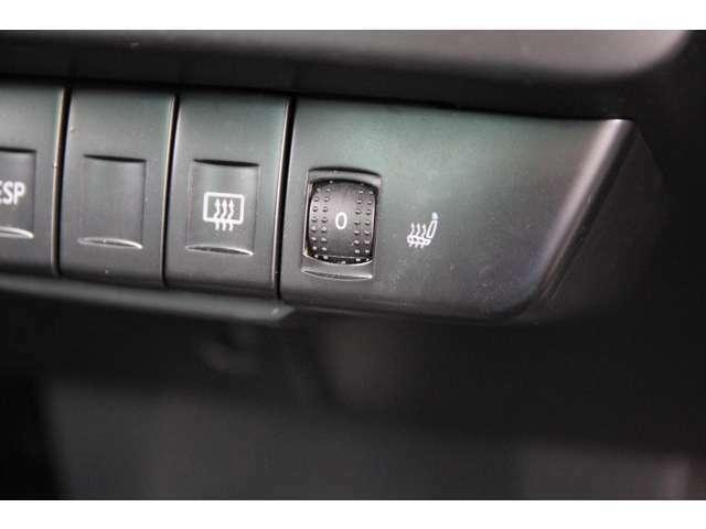 フロントシートヒーター装備☆寒い季節にはかかせない装備になります♪