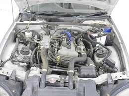 エンジンはK6A型オールアルミ製ツインカムターボ660ccに、16ビットマイクロコンピューター制御、大型インタークーラー+水冷式オイルクーラー!!