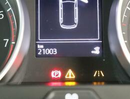 マルチファンクションインジケーターは、時刻、瞬間・平均燃費、外気温度、運転時間、走行距離等メニュー表示します。