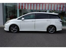 お買得車ウィッシュ入荷しました・人気のパール・純正ナビ&TV&Bモニタ&ETC付きです・詳細はHP(http://auto-panther.com/)をご覧下さい!