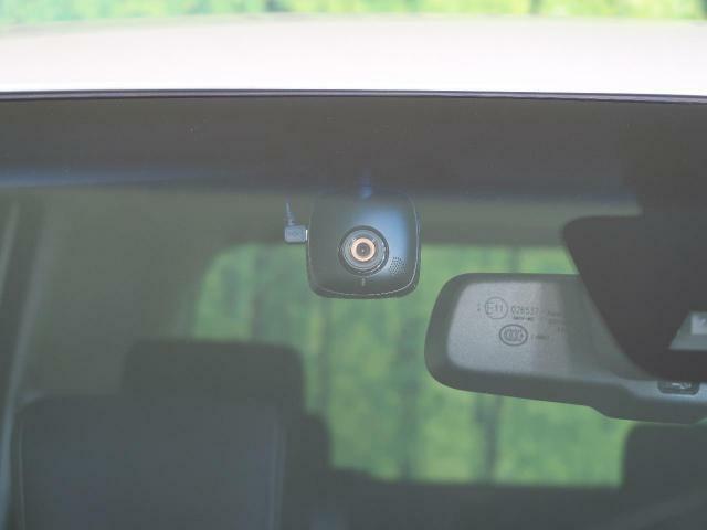 事故や盗難の防止に有効的な【ドライブレコーダー】装着!!これにより、安心してドライブしていただくことが可能いなります!!