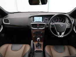 2017年モデル V40クロスカントリーT5AWD サマム 入庫しました!内外装状態良好!エクステリアスタイリングキット装備!プレミアムサウンドやポールスターなど快適装備が充実の一台です!