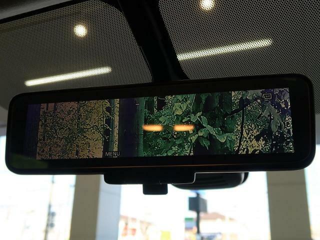 【インテリジェントルームミラー】付き♪普通のルームミラーと液晶ミラーの切り替え可能!!後方の視界がはっきりと綺麗にルームミラーに映し出されるので快適にドライブをお楽しみ頂けます☆