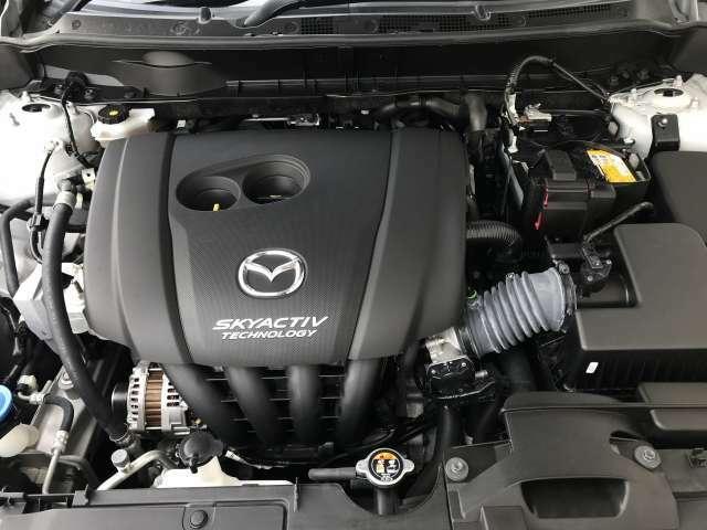 高圧縮の軽快なパフォーマンスと優れた燃費性能を発揮する高効率直噴ガソリンエンジンSKYACTIV-G2.0です。