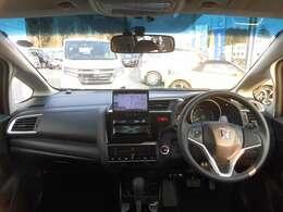 ガラスエリアが広いので視認性が良く周りを見渡しやすいので運転がし易いです!