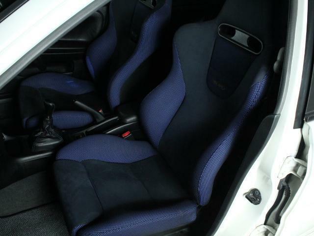 専用シートも目立つキズや汚れはありません。気持ちよくご使用いただけます。