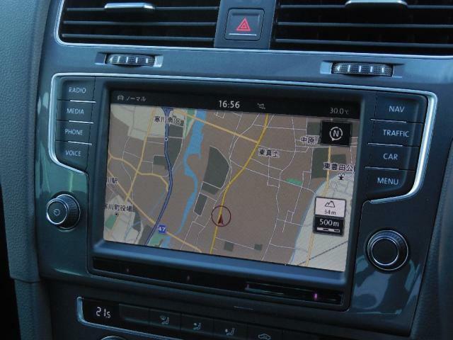 Volkswagen純正インフォティメントシステムDiscover Pro搭載。ナビ、オーディオ、ビジュアル、フルセグTV等、あらゆる機能が満載。車両の色々な機能の設定管理もDiscover Proで操作。