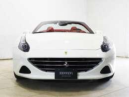 BiancoAvusのカリフォルニアTが入庫いたしました、内装はRossoで御座います。
