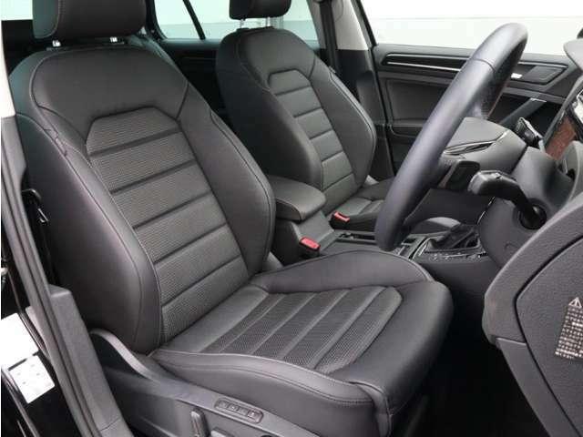 HighlineMeisterには上質なレザーシートが標準装備されています。フロントシートヒーターも装備されます。