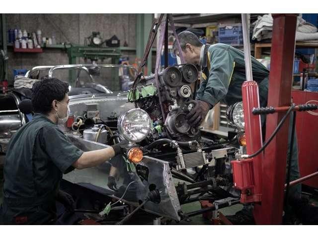 この車両はコンプリートメンテナンス実施済み。エンジンを降ろしてタイベル・ウォーターポンプ・サスペンションブッシュ他多岐にわたるメンテナンスを実施しています。
