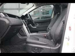 6ウェイ電動調整式運転席シート、シートヒーター(運転席・助手席)運転席ランバーサポート(4ウェイ)