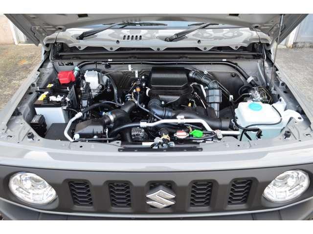 新車ですので、汚れ無しスッキリとしたエンジンルームです☆★Car,s巽店までお気軽にお問合せ下さい!!