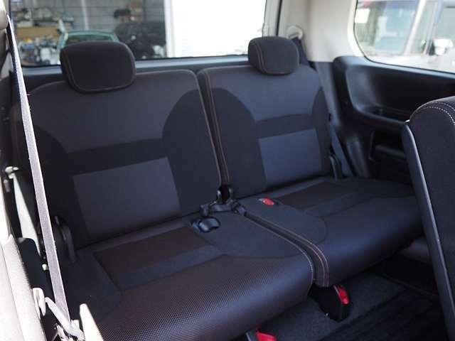 サードシートも十二分な広さ。