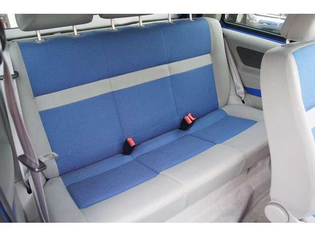 後部座席も使用感なく大変綺麗に使用されています。