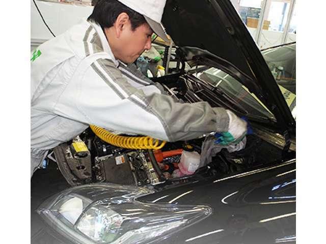 Bプラン画像:当社に入庫したお車は、一平蓮田工房で輝くボディーと、綺麗で清潔な室内に生まれ変わります。