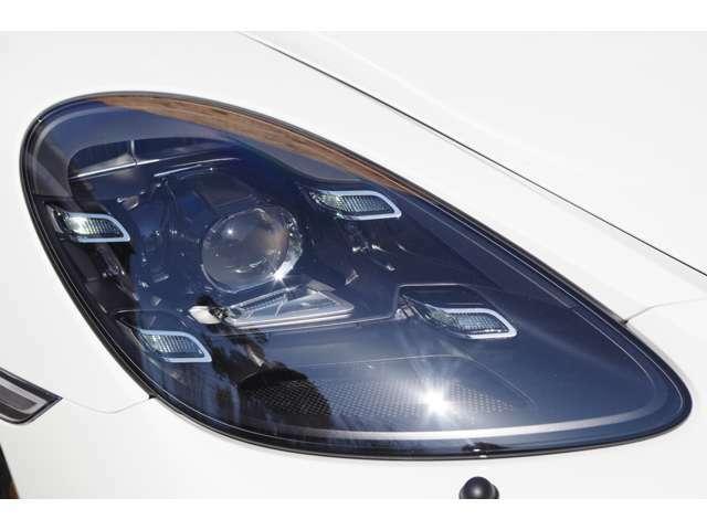 LEDヘッドライト、ポルシェダイナミックライトシステムプラス(PDLS Plus)