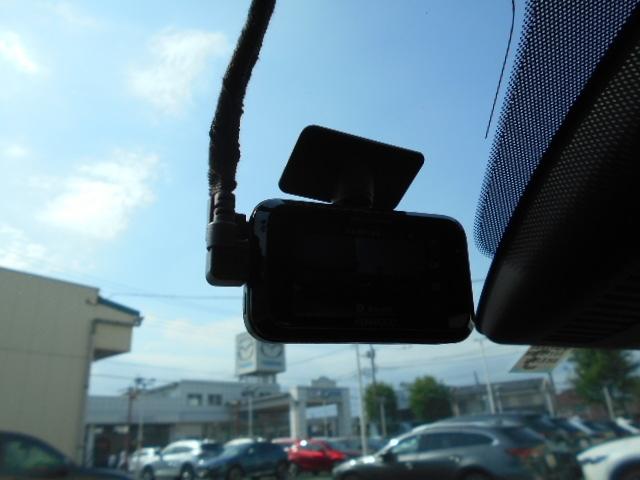 KENWOODのドライブレコーダー付きです。何かあってもすぐ確認することができます!