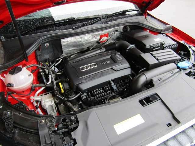 直列4気筒DOHC IC2.0ターボエンジンです。