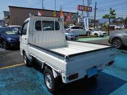 日本全国どこでも『県外登録』&『遠方納車』可能です!!ご遠方にお住まいの方で実車をご覧いただけない方にはメールで画像をお送りすることも可能です!!まずはお気軽に販売担当『中村』までご連絡下さいね!!!