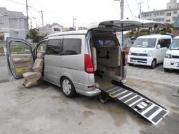 日産 セレナ 福祉車両 ニールダウン式 スローパー 助手席電動回転シート付