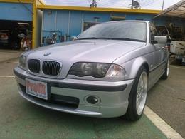 BMW 3シリーズ 323i Mスポーツ ワンオーナー ローダウン 18インチAW
