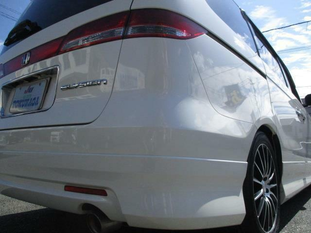 自社工場完備・アフターサービスもバッチリです!展示車は全車保証付になっておりますので安心です。