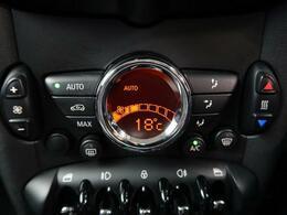 ●オートエアコン『マニュアルエアコンとは違い、オートボタン一つで最適な温度を設定できるエアコンを標準装備しております!』