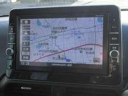 【ナビゲーション】9型 ワイドで明るい液晶画面、簡単な操作方法、多機能ナビゲーション。知らない街でも安心です。