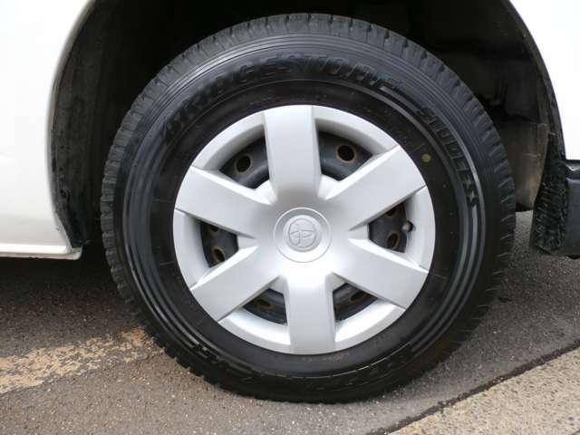 スタッドレス装着 普通タイヤ有ります