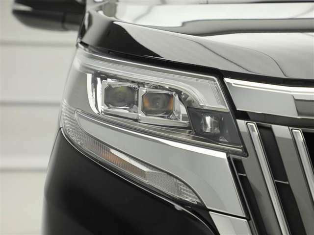 ☆暗い夜道も明るく照らします☆LEDヘッドライト装着車!夜間のドライブも安心です♪