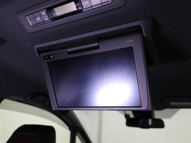 天井に後席テレビが装備されているので、リヤ席からのナビ&TVが楽しめます。お子様も飽きない楽しいドライブになります♪