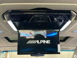 【アルパイン12.8型フリップダウンモニター(PXH12X-R-AV)】フリップダウンモニターが装備されております♪お子様など、ロングドライブでも退屈せず楽しくお過ごしいただけます。