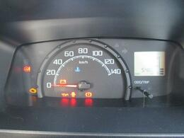 ガソリンメーターがデジタル表示で見やすいですね◎