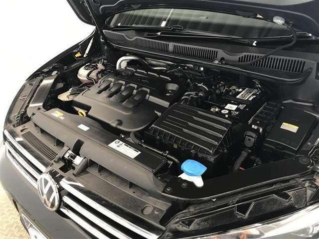 トヨタ高品質まるごとクリーニング施工済みでエンジンルームも高圧ミストで洗浄しております。